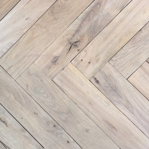 Reclaimed Re-Sawn French Beam Oak Herringbone – 10mm Overlay