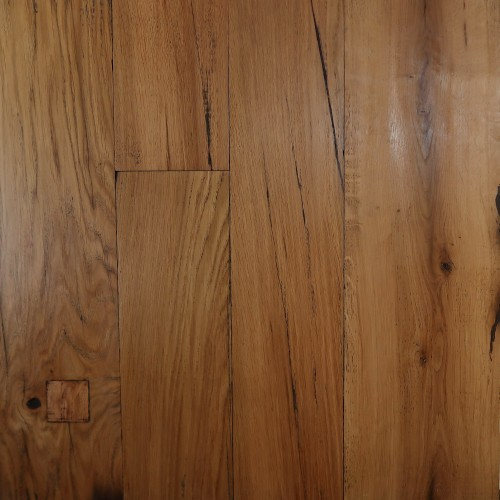 Reclaimed Engineered European Inner Beam Oak – Light Brown